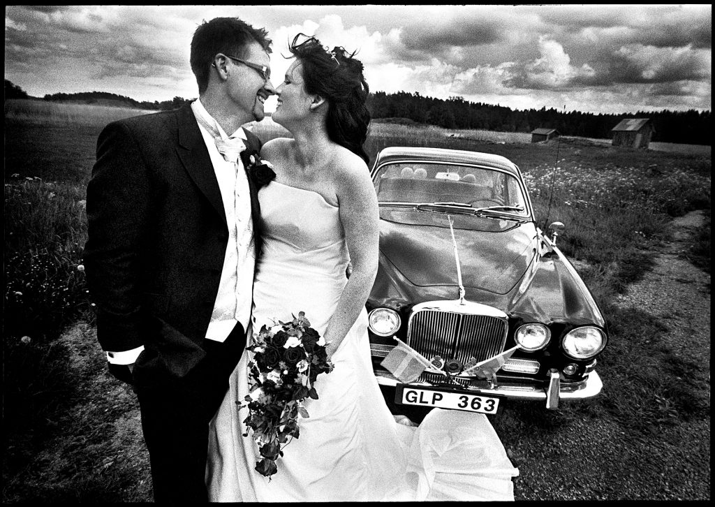 black and white wedding picture outside