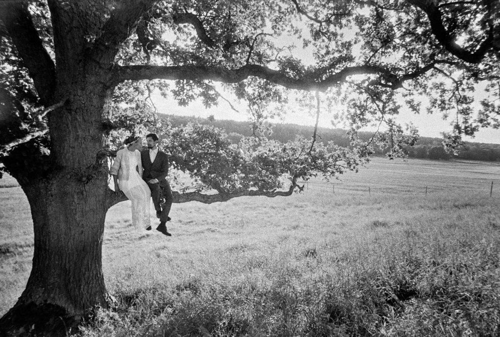 black and white wedding picture outside Wedding Skärblacka, Sweden