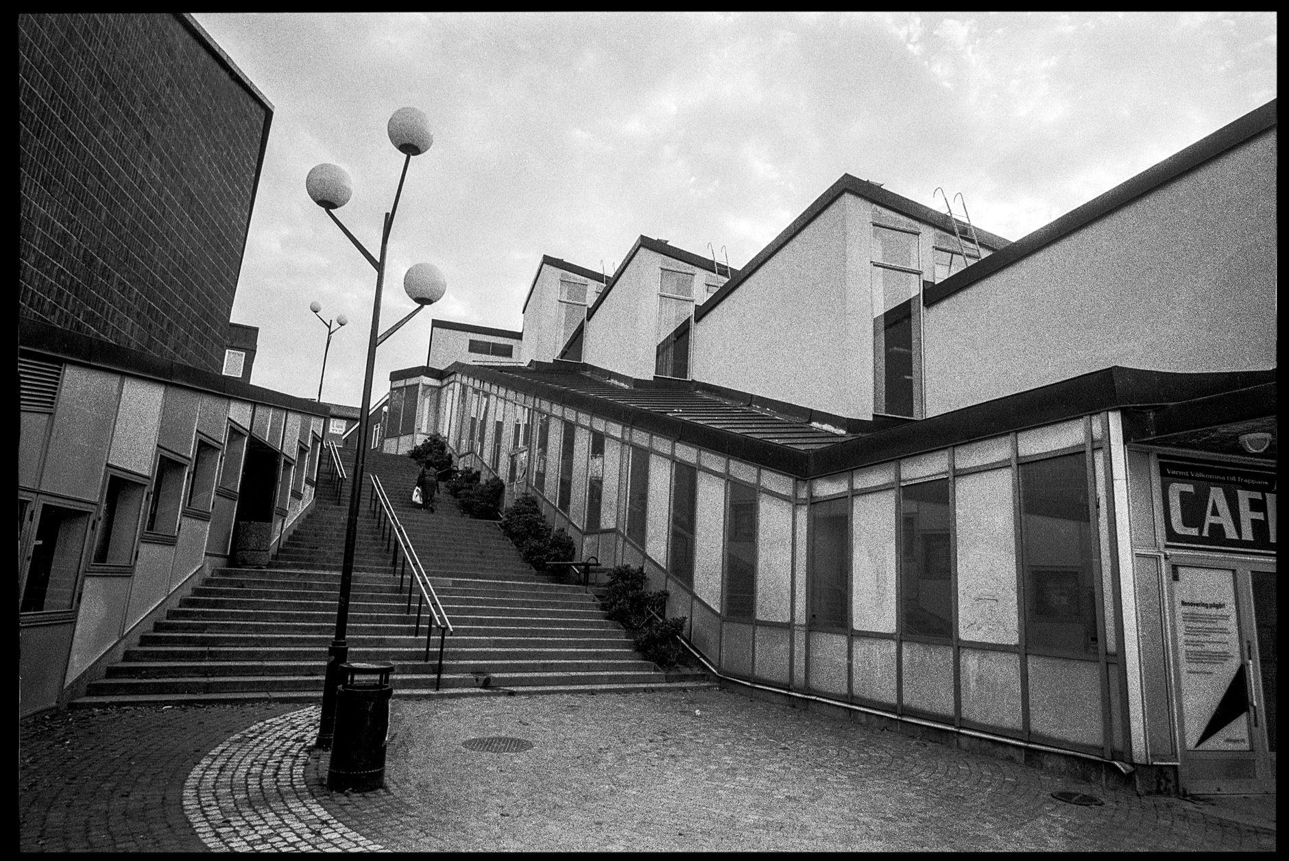 Architecture/street photography with a 21mm lens, part 3