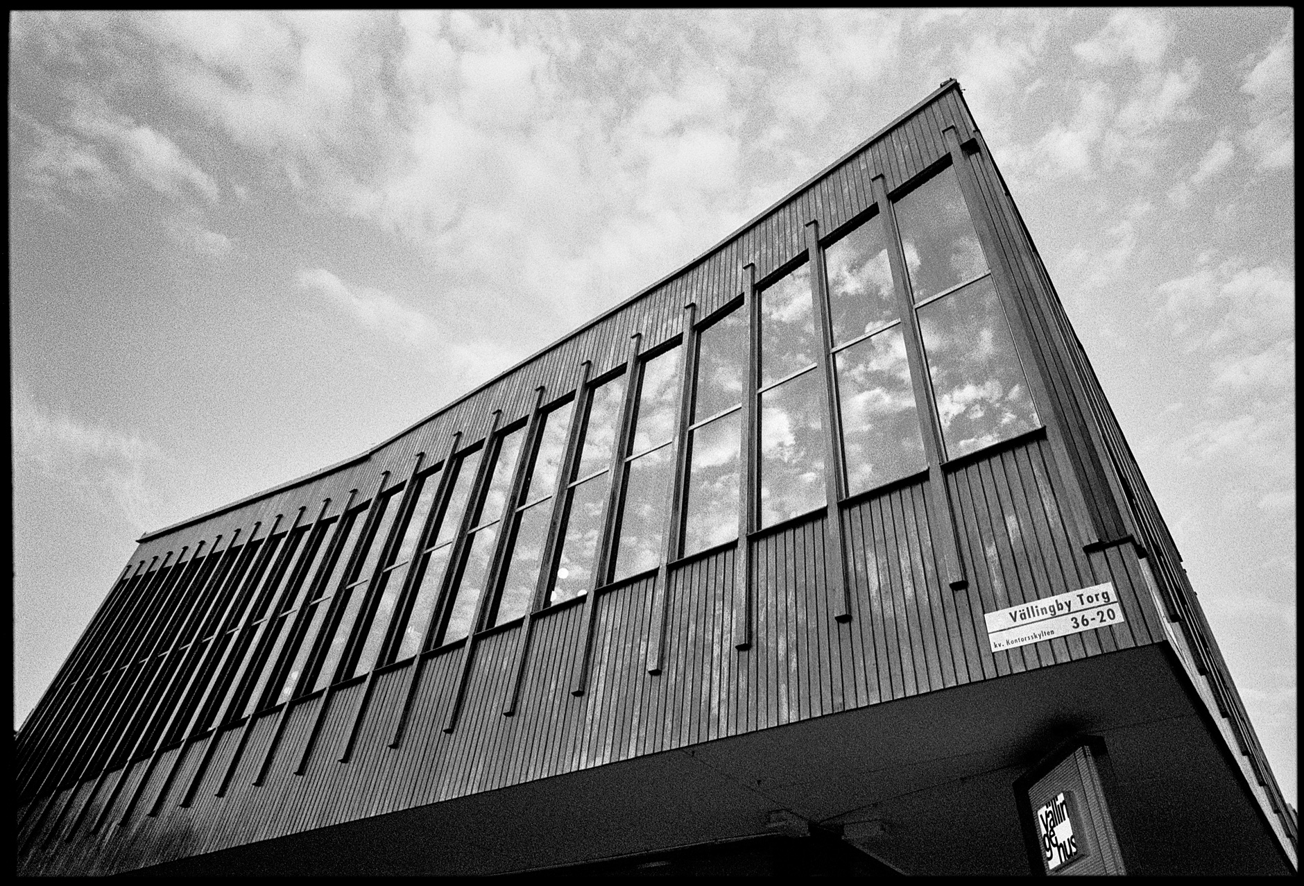 Architecture/street photography with a 21mm lens, part 4